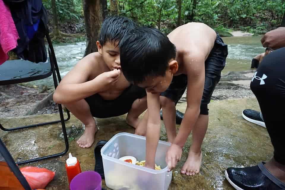 mandi sungai di sg congkak