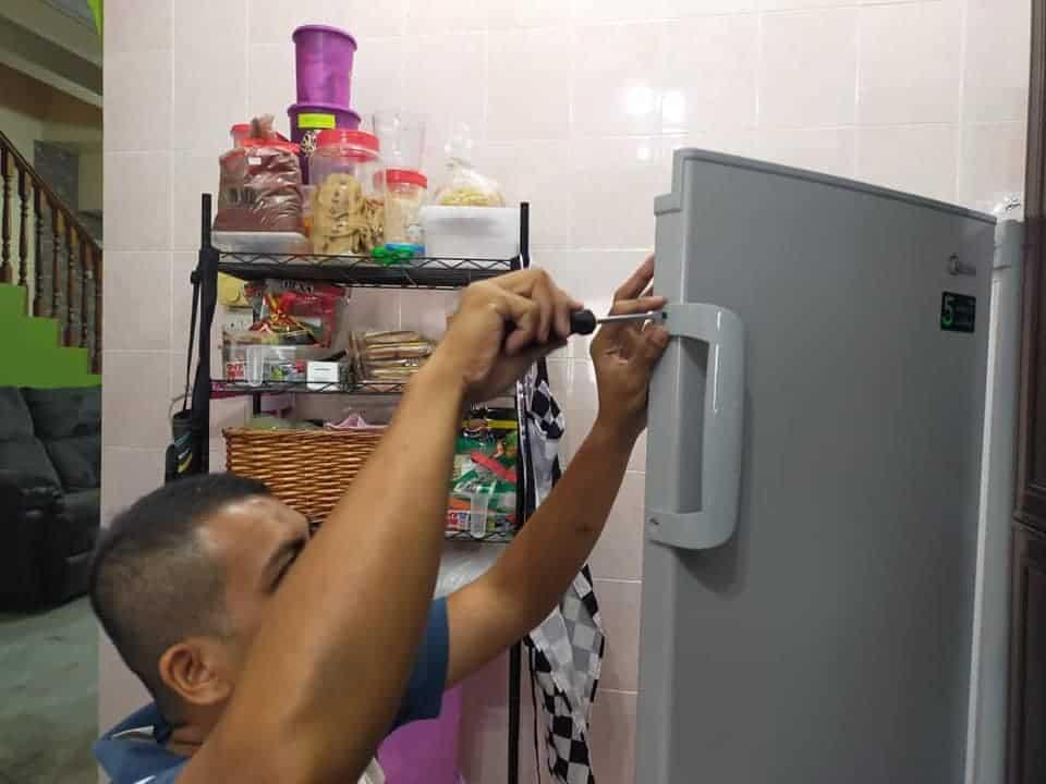 Freezer bertingkat Midea