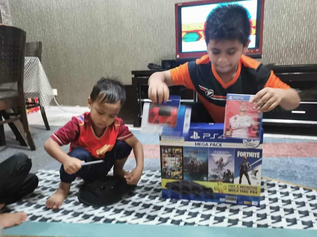 Hadiah abah untuk anak-anak , gembira tak terkata